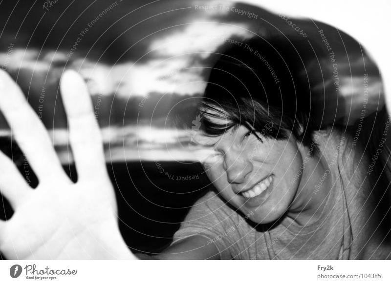 Kauabanga Hand schwarz weiß gruselig Wolken Mann Mensch Gesicht Angst Abend Himmel Haare & Frisuren Mund Nase Kopf Zähne