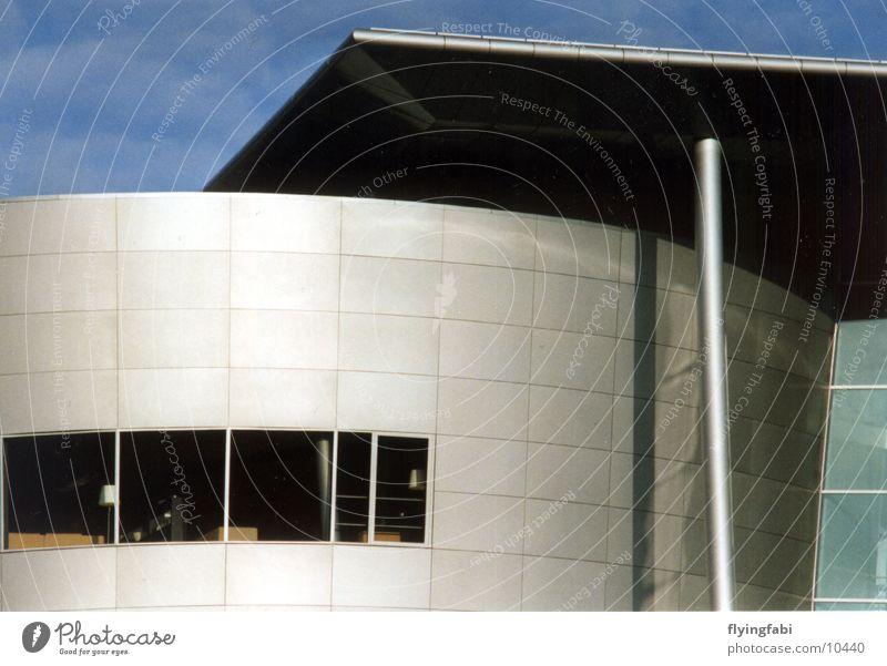 Manufaktur mal anders Dresden Architektur gläserne fabrik modern phaeton