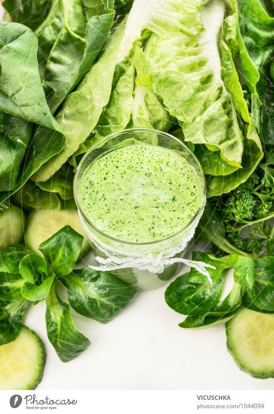 Smoothie mit grünem Gemüse im Glas Lebensmittel Salat Salatbeilage Frucht Ernährung Frühstück Bioprodukte Vegetarische Ernährung Diät Getränk Saft Milch