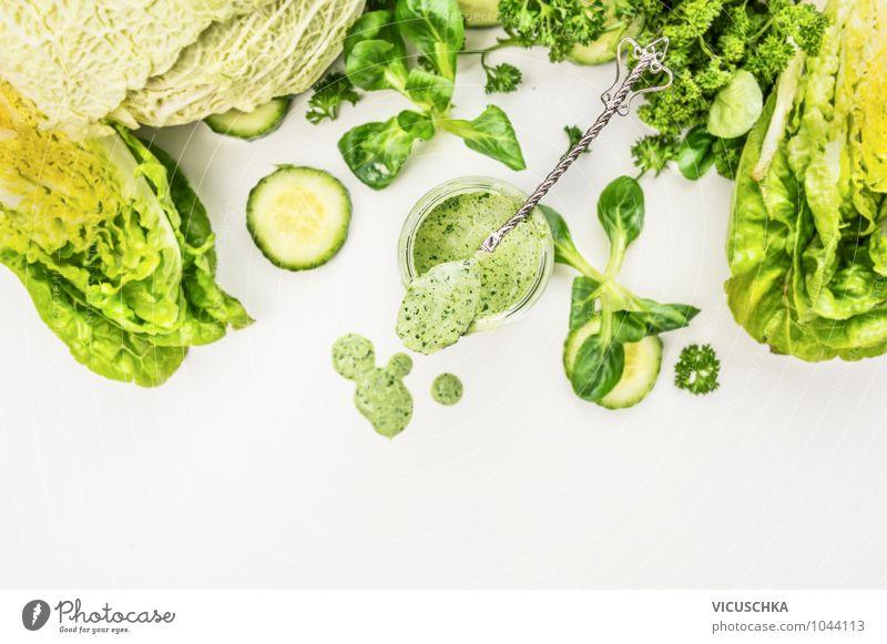 Jogurt-Smoothie mit grünem Gemüse Lebensmittel Joghurt Salat Salatbeilage Ernährung Saft Glas Löffel Lifestyle Stil Design Gesunde Ernährung Fitness Natur
