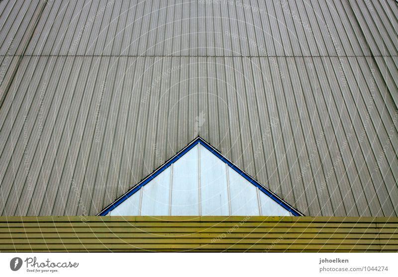 -^- Oberhausen Ruhrgebiet Industrieanlage Lagerhalle Fassade Fenster Dach Olga-Park Metall Zeichen Ornament Streifen Dreieck Langeweile Farbfoto Außenaufnahme
