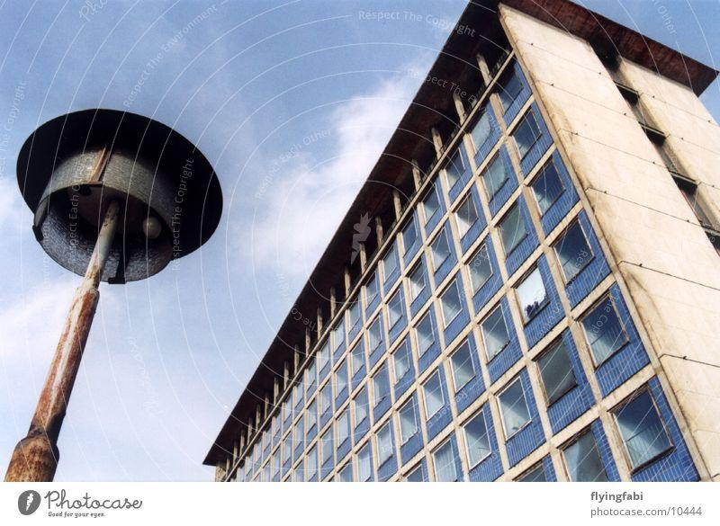Plattenbau Osten Dresden Gebäude Laterne Architektur DDR