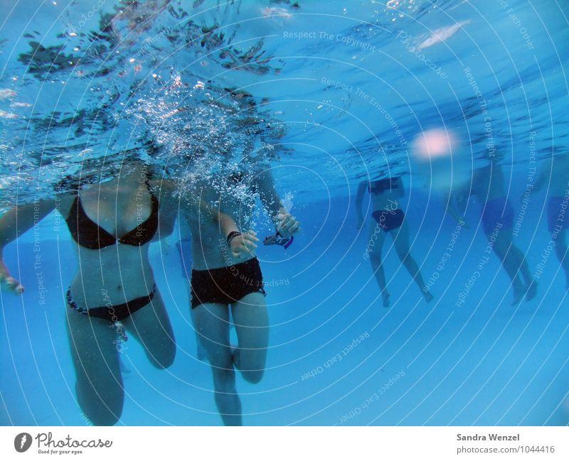 Unter Wasser... Wellness Wohlgefühl Schwimmen & Baden Ferien & Urlaub & Reisen Sommer Sommerurlaub Sonne Sportler Schwimmbad Mensch maskulin feminin Frau