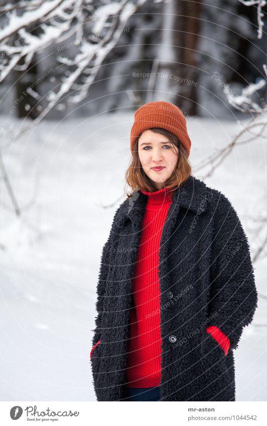 Hier bin ich elegant Winter Schnee feminin Mädchen Junge Frau Jugendliche Erwachsene 1 Mensch 18-30 Jahre Eis Frost Baum Wald Mütze brünett langhaarig