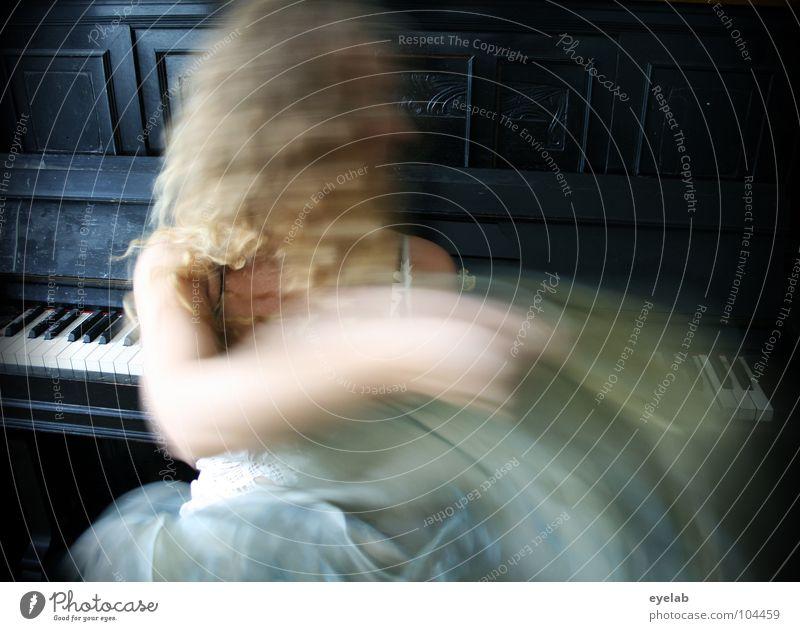 Baby, schüttel dein Haar für mich ! (Vol.2) Frau Klavier Kleid weiß wiegen Abwechselnd träumen blond schwarz schütteln Unterwäsche Musik Klavierschemel
