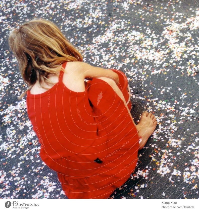 FIND IN AND SEARCH OUT Mensch Frau Kind Ferien & Urlaub & Reisen blau schön Sommer Wasser Baum Hand Meer rot Landschaft Einsamkeit Wolken Haus
