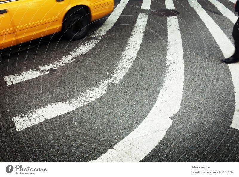 Taxi Taxi Ferien & Urlaub & Reisen Stadt Straße Business Arbeit & Erwerbstätigkeit Tourismus Verkehr Erfolg Coolness Macht fahren rennen trendy Wirtschaft