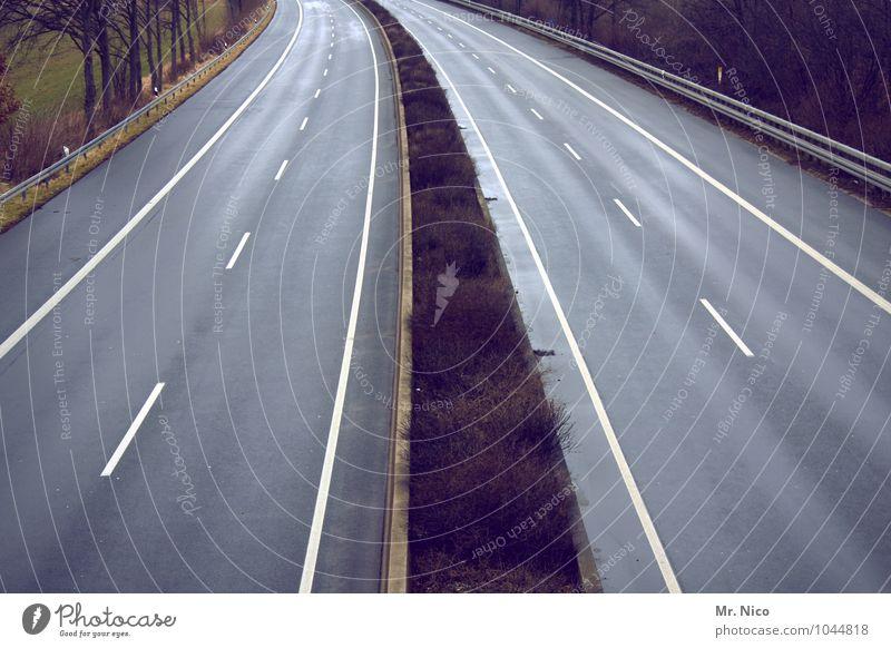 freeway Ferien & Urlaub & Reisen Ausflug Freiheit Umwelt Verkehr Verkehrswege Straßenverkehr Autofahren Wege & Pfade Autobahn Einsamkeit Mittelstreifen