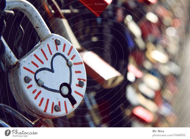 ´schliebdisch Lifestyle Kitsch Sympathie Freundschaft Zusammensein Liebe Verliebtheit Romantik Schloss herzförmig Symbole & Metaphern Brücke Gefühle Treue