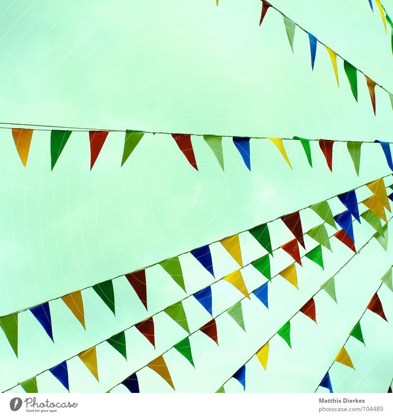 GIRLANDE grün rot Sommer Freude gelb Farbe Party Stimmung Feste & Feiern Geburtstag Platz Aktion Fahne Kitsch Schmuck Jahrmarkt