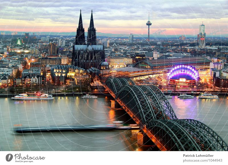Ausblick auf Köln Architektur Umwelt Wasser Himmel Horizont Bundesadler Nordrhein-Westfalen Europa Stadt Stadtzentrum Skyline Haus Kirche Dom Brücke Turm