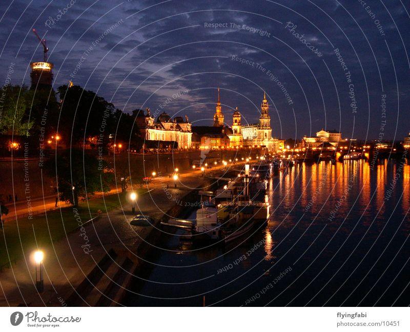 Brühlsche Terassen Architektur Dresden Elbe Altstadt Nachtaufnahme Semperoper Brühlsche Terrasse