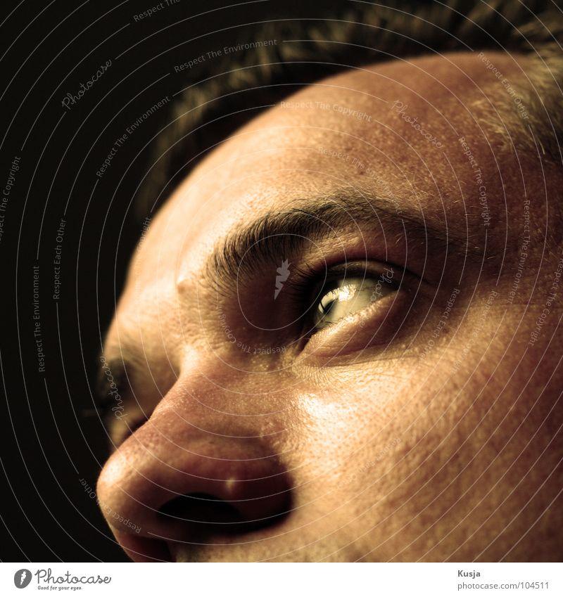 Erinnerung Mann schwarz Auge gelb Nase Hoffnung Zukunft Gedanke erinnern vertauen
