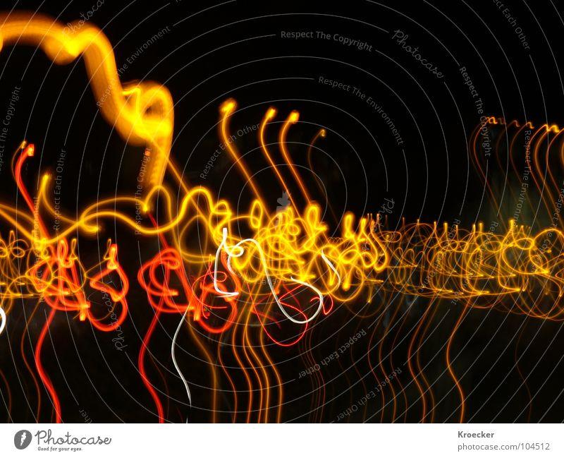 Baustellen Lichter Nacht Langzeitbelichtung Lampe Autobahn Linie Streifen dunkel Wut rot schwarz weiß Angst Stress Ärger Farbe durcheinander synchron Panik