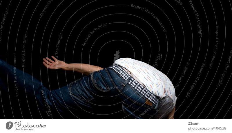 FALLING_DOWN fallen verletzen zügellos Gürtel Hand Mensch Mann maskulin Jugendliche Stil Unterhemd weiß falling down abwärts Jeanshose Arme modern verrenken