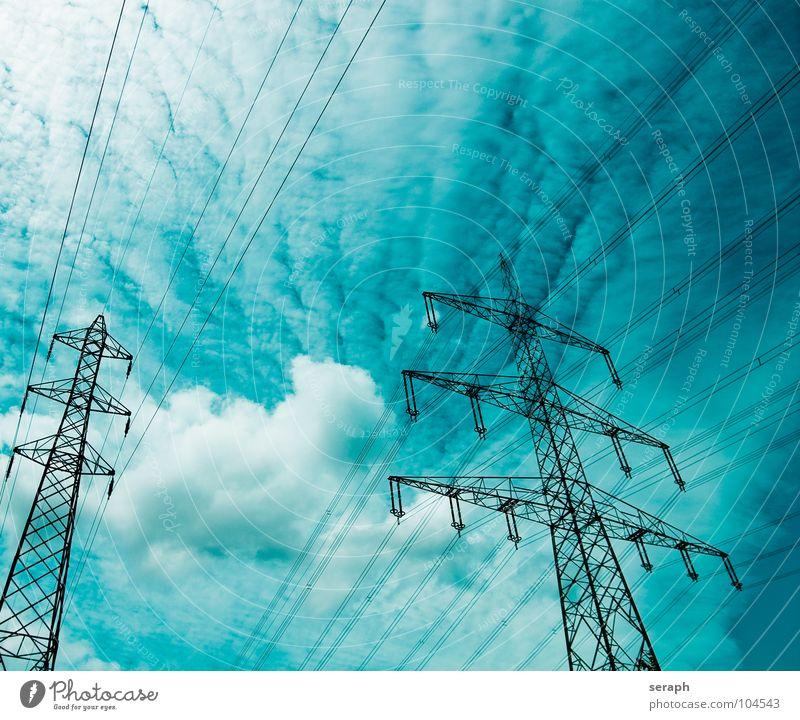 Strommasten Himmel Wolken Energiewirtschaft Energie Elektrizität Technik & Technologie Kabel Bauwerk Verkehrswege Konstruktion Strommast Draht Leitung industriell Hochspannungsleitung Wattenmeer