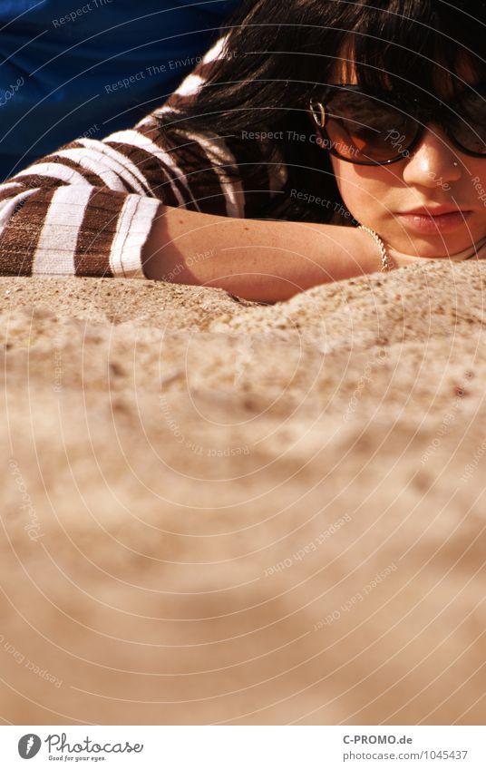 Tag am Meer II Mensch Frau Kind Ferien & Urlaub & Reisen Jugendliche blau weiß Junge Frau Erholung 18-30 Jahre Strand Erwachsene Wärme feminin Glück braun