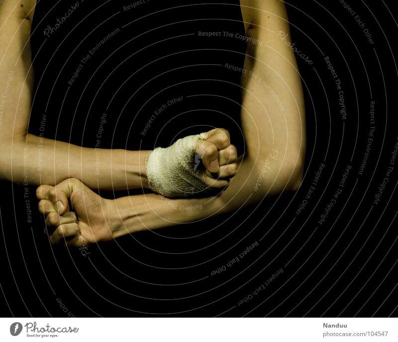 Aggression Hand Elektrizität gefährlich kaputt Wut Gewalt Schmerz Konflikt & Streit Lautsprecher Verzweiflung kämpfen Ärger Daumen Schwäche
