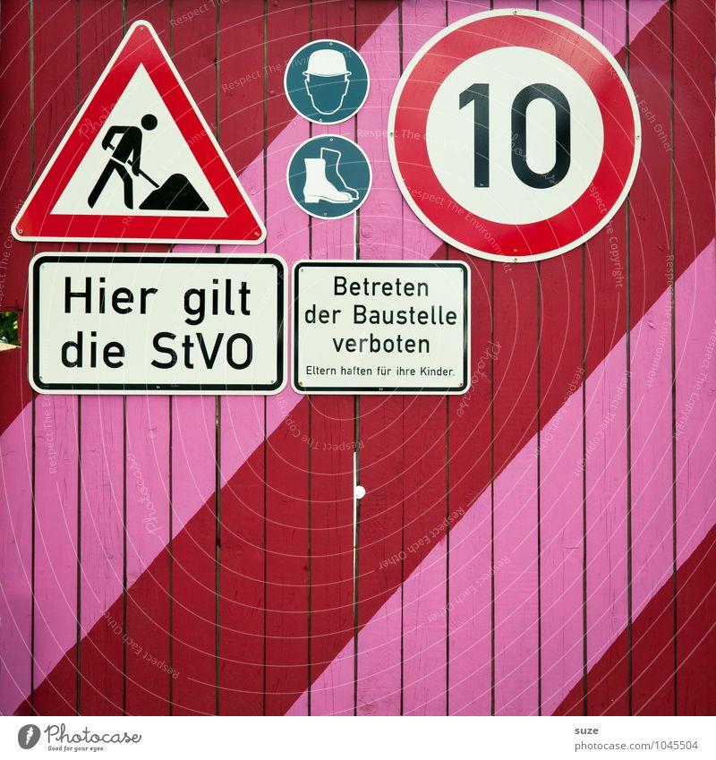 Ausbaufähig rot Wand Berlin Linie rosa Arbeit & Erwerbstätigkeit Schilder & Markierungen Verkehr Schriftzeichen Hinweisschild Kommunizieren Streifen Zeichen