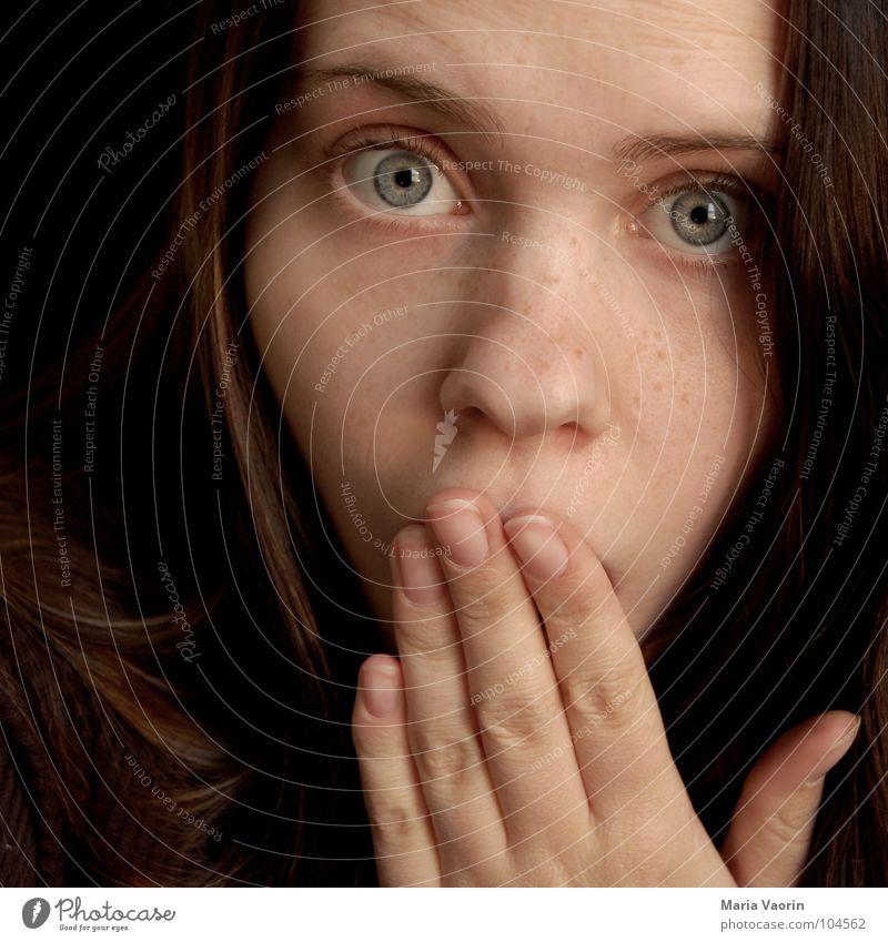 """""""Wie echt? Das hat der gemacht???"""" Frau Hand Mädchen Gesicht Auge Angst Nase gefährlich Panik Überraschung Augenbraue erstaunt Entsetzen Schrecken Schock"""