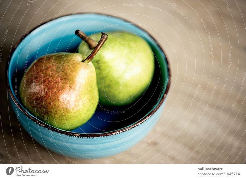 Birnen Lebensmittel Frucht Ernährung Bioprodukte Vegetarische Ernährung Diät Schalen & Schüsseln Holz Glas Duft Gesundheit natürlich saftig sauer schön süß blau