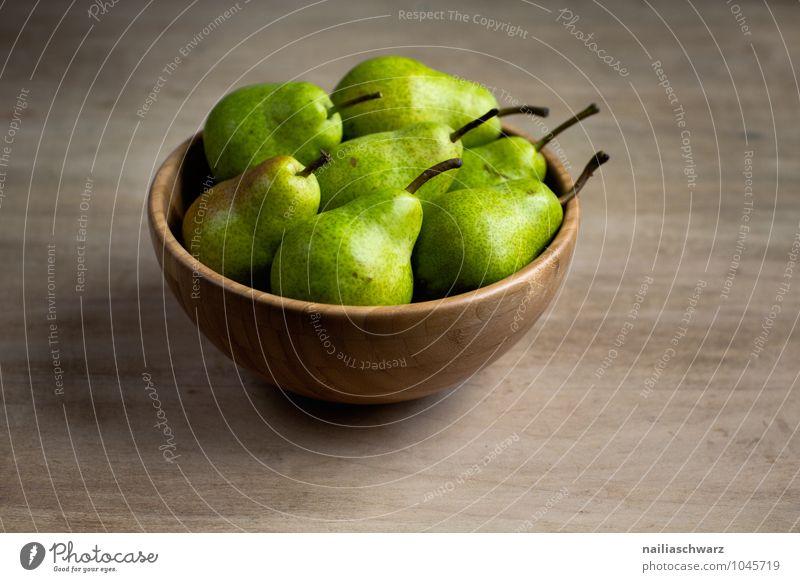 Birnen grün schön natürlich Gesundheit Holz Lebensmittel braun Zusammensein Frucht frisch Ordnung Ernährung genießen süß lecker rein