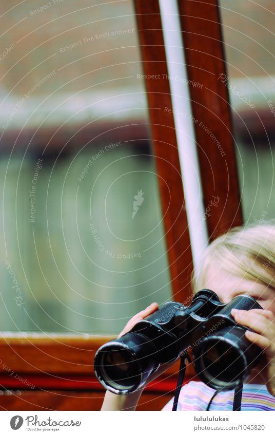 das ist fernsehen. Mensch Kind Ferien & Urlaub & Reisen Mädchen Ferne Tourismus Kindheit Ausflug beobachten Neugier festhalten Jagd maritim Fernglas 3-8 Jahre
