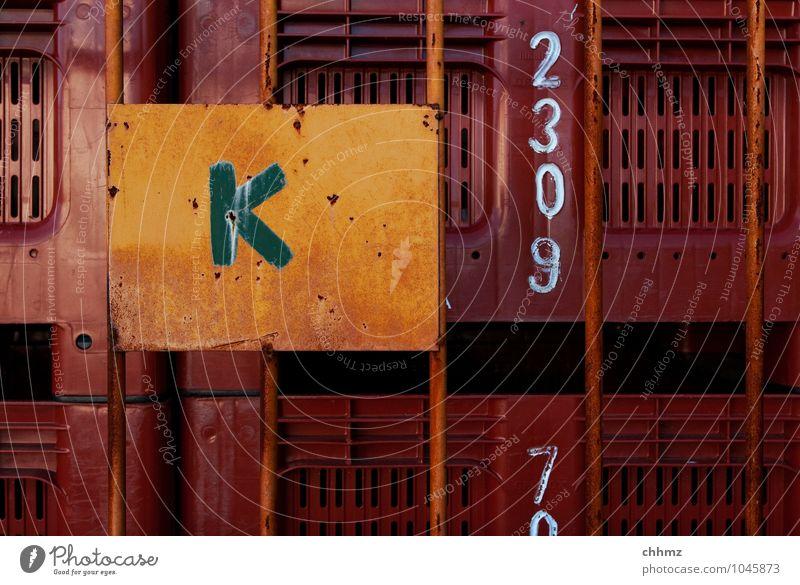 K Kasten Schriftzeichen Ziffern & Zahlen braun gelb orange Gitter Güterverkehr & Logistik Fischereiwirtschaft Fischerboot Lager Lagerhaus Stapel Ordnung