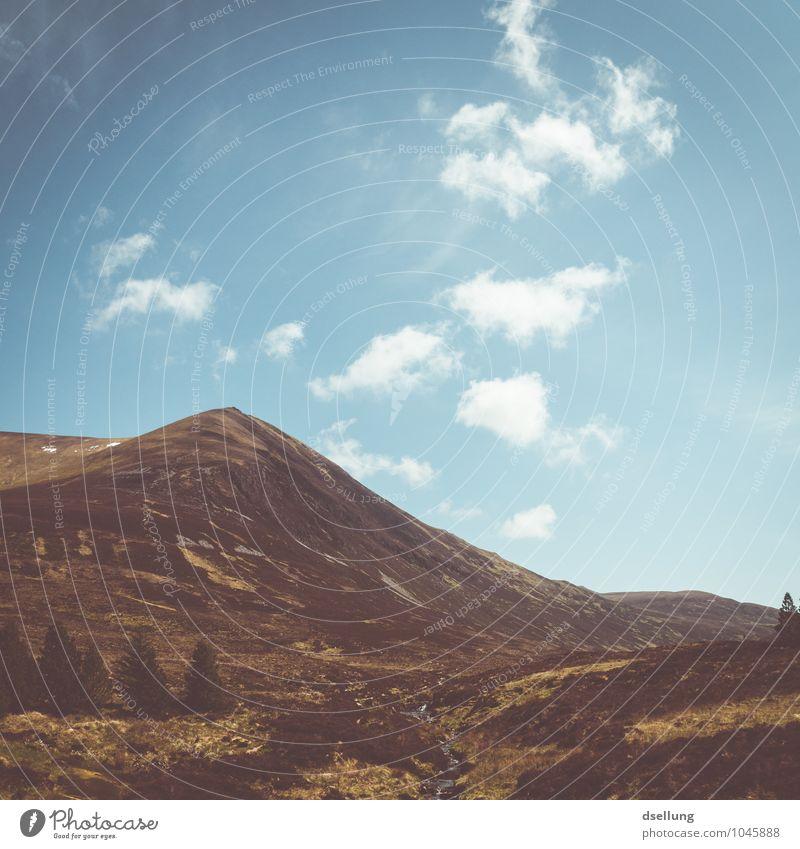 leichter Anstieg. Himmel Natur Ferien & Urlaub & Reisen blau Sommer Landschaft Wolken Berge u. Gebirge Umwelt gelb Wärme Wege & Pfade natürlich Freiheit braun
