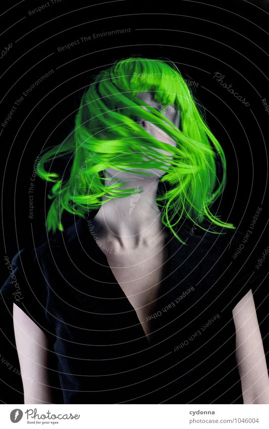 Green Mensch Jugendliche schön grün Farbe Junge Frau Erotik 18-30 Jahre Erwachsene Leben Bewegung Gefühle Stil Haare & Frisuren Freiheit Lifestyle