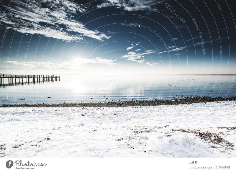 Schnee See Umwelt Natur Landschaft Luft Wasser Sonne Winter Klima atmen genießen gut Chiemsee Traunstein Steg Farbfoto Außenaufnahme Menschenleer Tag