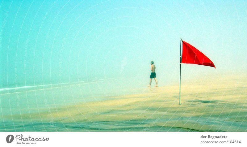 don't do it! Schwimmen & Baden Ferien & Urlaub & Reisen Strand Meer Wellen Mann Erwachsene Sand Wasser Klimawandel Nebel Küste See Wege & Pfade Fahne bedrohlich