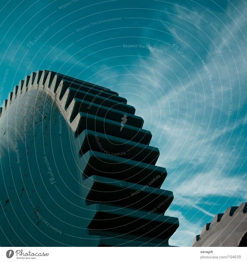 Zahnräder Himmel Wolken Bewegung Zeit Metall Technik & Technologie Kraft rund Industrie Rost Rad Denkmal Stahl Konstruktion drehen Eisen