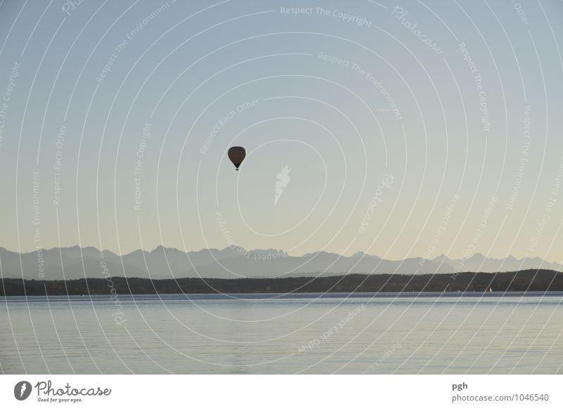 . . . lass uns einfach weg Ferien & Urlaub & Reisen Ausflug Abenteuer Ferne Messinstrument Windkraftanlage Luftverkehr Himmel Berge u. Gebirge See Fluggerät