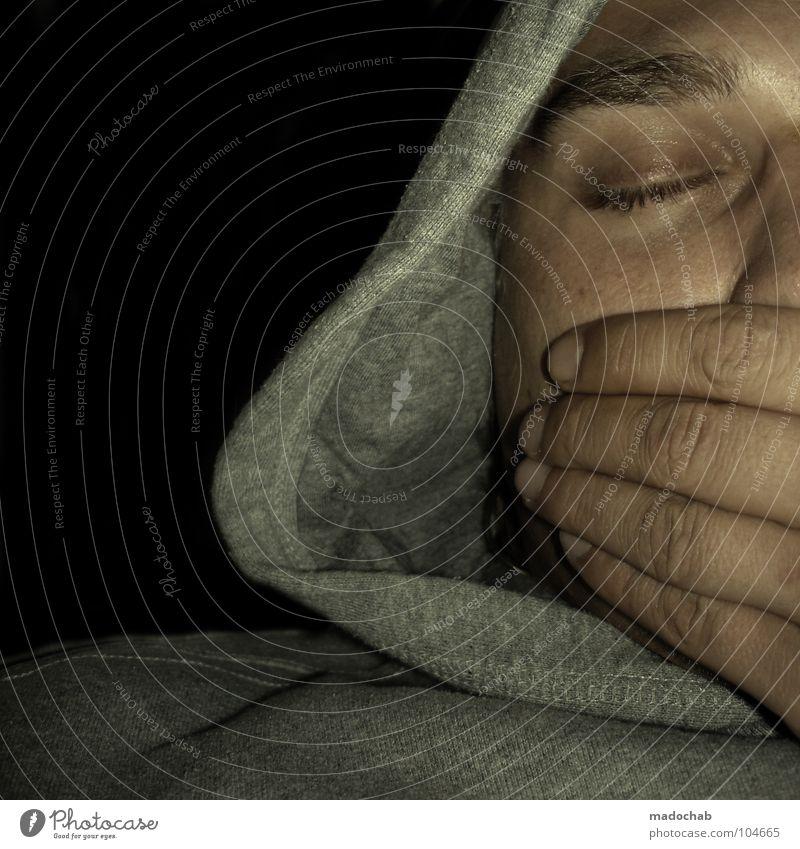 SCHLAFMÜTZE schlafen gähnen Nacht Guten Morgen aufwachen aufstehen Beginn Nachtruhe Hand Mensch Pullover schweigen Sprechverbot stumm Schlafzimmer Augenbraue