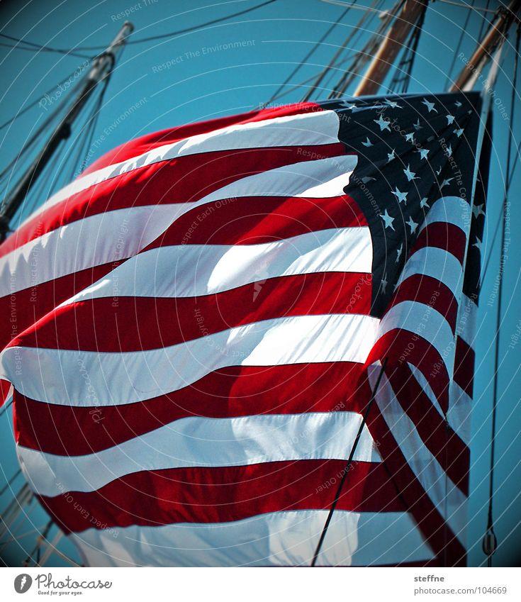 uneingeschränkte solidarität [Flag] Wasser Himmel weiß Meer blau rot schwarz Freiheit Wasserfahrzeug Wind Stern (Symbol) Macht USA Fahne Streifen Amerika