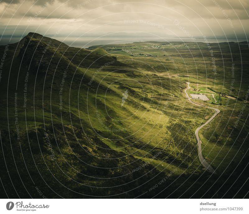 the lowlands. Abenteuer Freiheit Berge u. Gebirge wandern Umwelt Natur Landschaft Frühling Sommer Herbst Wetter Schönes Wetter schlechtes Wetter Wiese Feld