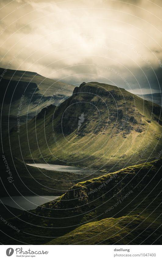 the quiaraing. Himmel Natur Sommer grün Landschaft Wolken dunkel Berge u. Gebirge Umwelt kalt Herbst Frühling Wiese außergewöhnlich See braun