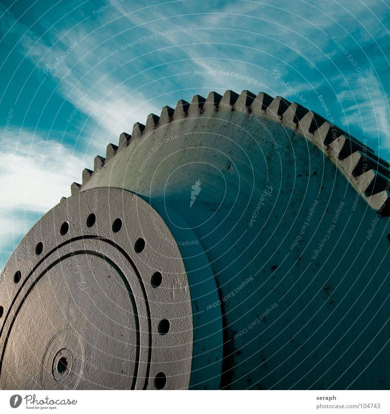 Zahnrad Himmel Wolken Bewegung Zeit Metall Technik & Technologie Kraft Industrie rund Rost Rad Denkmal Stahl Konstruktion drehen Eisen