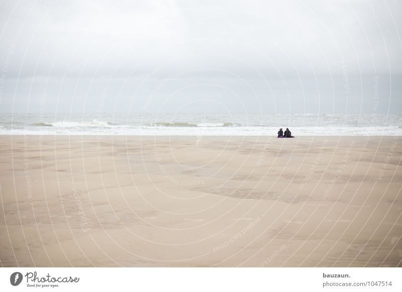 mehr. Mensch Himmel Ferien & Urlaub & Reisen Wasser Erholung Meer ruhig Wolken Strand Ferne Leben Küste Freiheit Sand Paar Zusammensein