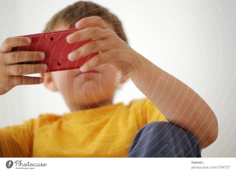 Zocker Freude gelb Spielen Freizeit & Hobby Elektrizität Suche Niveau Konzentration Langeweile Sportveranstaltung Auswahl Spieler kultig Abhängigkeit aufregend knien