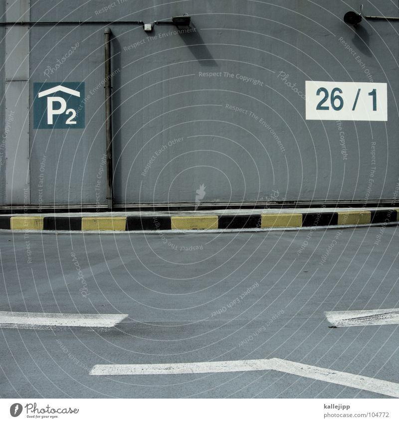 P2|26/1 gelb Straße grau Linie Schilder & Markierungen Verkehr Ziffern & Zahlen Asphalt Zeichen Pfeil Grenze Flughafen führen Richtung Warnhinweis Lautsprecher