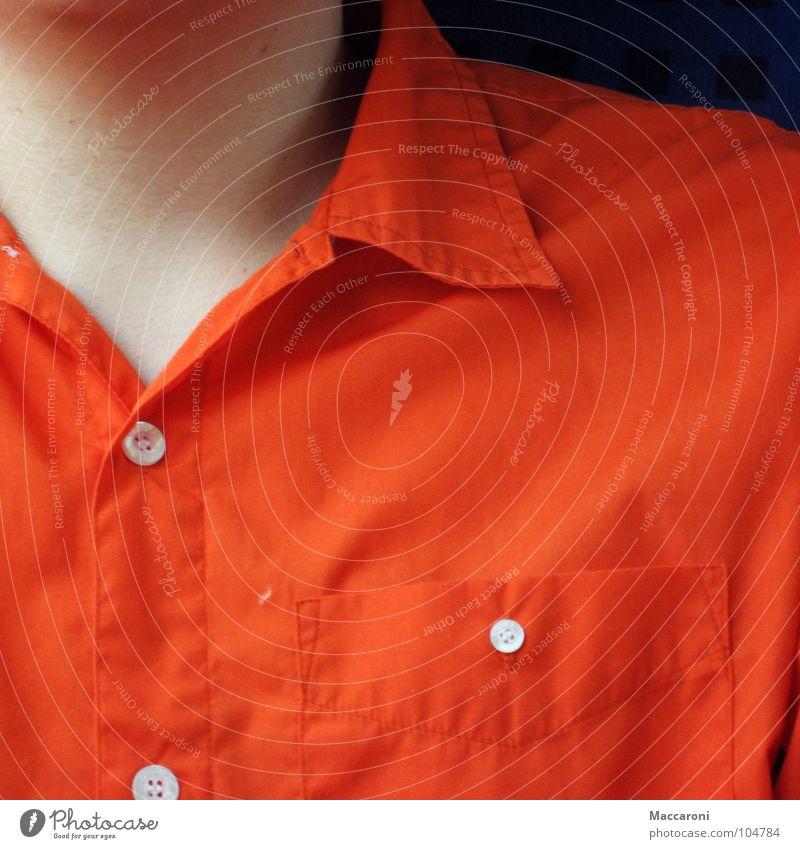 Ich hab 3 Haare auf der Brust ... Mann orange Eisenbahn Hemd Hals Knöpfe Anschnitt Kinn Kragen Mensch