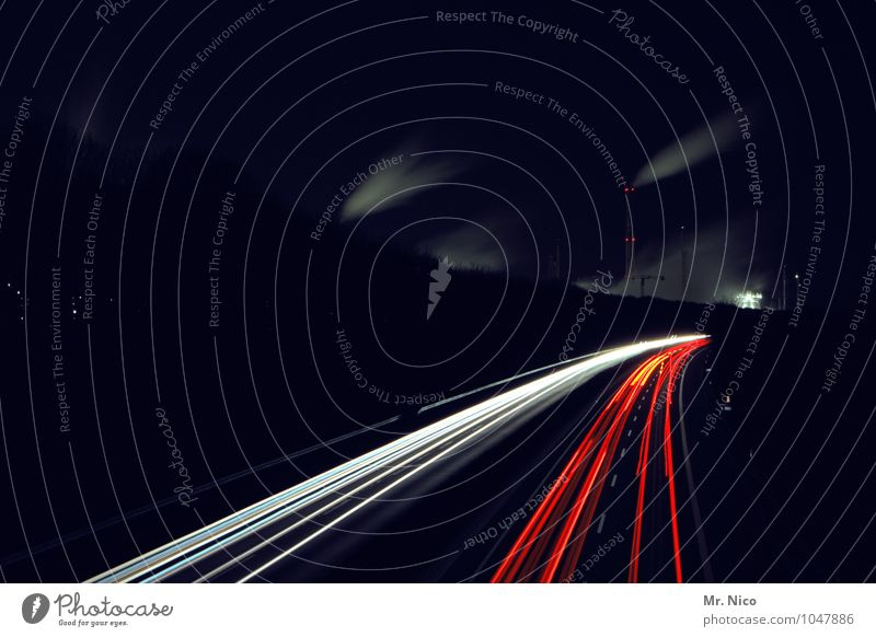 Auf der Autobahn nachts um zwanzig vor eins Ferien & Urlaub & Reisen Umwelt Nachthimmel Verkehr Verkehrswege Personenverkehr Berufsverkehr Straßenverkehr