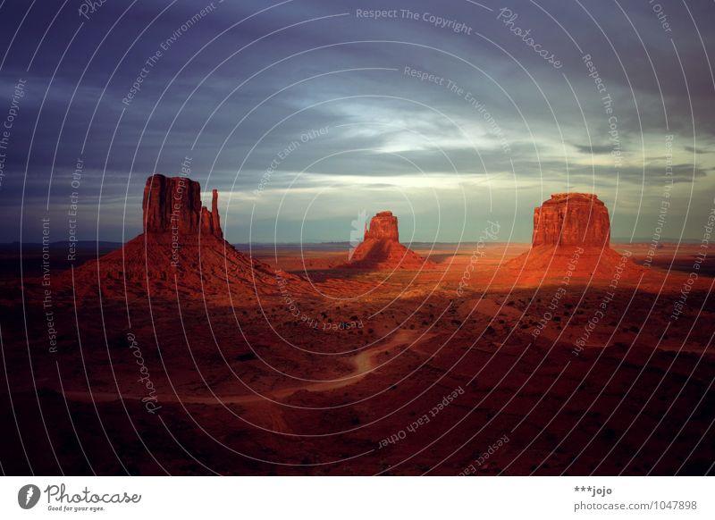 photogenic. Natur Landschaft Urelemente Erde Felsen Wüste Freiheit Navajo-Gebiet Sandstein Monument Valley monumental rot Wilder Westen Erosion Berge u. Gebirge