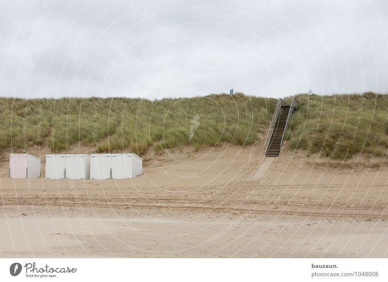 hinab. Wohlgefühl Zufriedenheit Sinnesorgane Erholung ruhig Kur Ferien & Urlaub & Reisen Tourismus Sommerurlaub Strand Meer Umwelt Natur Landschaft Erde Sand