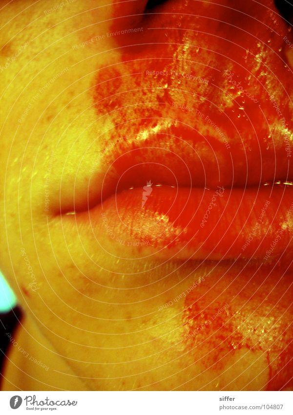 Nebenwirkung rot Gesicht gelb dunkel Traurigkeit Haut dreckig Nase Gesundheitswesen kaputt Trauer Lippen Küssen Krankheit Rauschmittel Verzweiflung