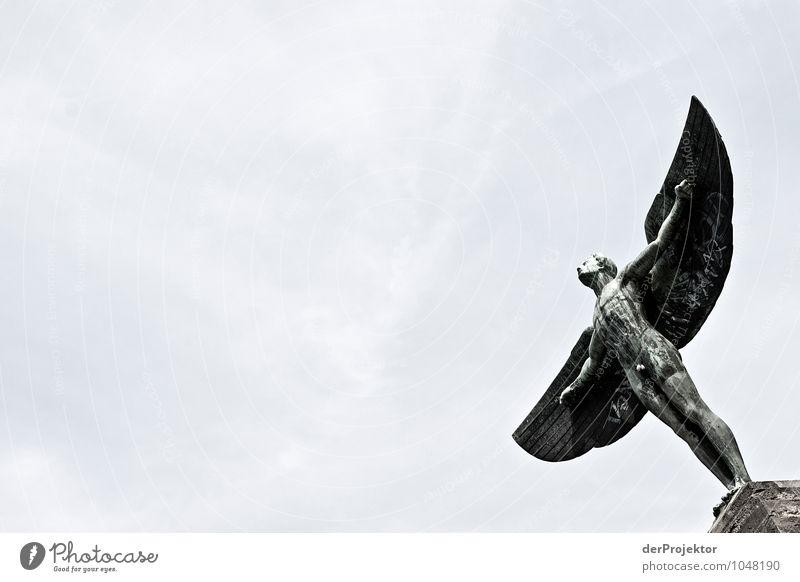 Bereit zum Abheben? *850* Himmel Gefühle Berlin Garten fliegen Stein Park Kraft authentisch Erfolg Coolness Macht Leidenschaft Hauptstadt Wahrzeichen Denkmal