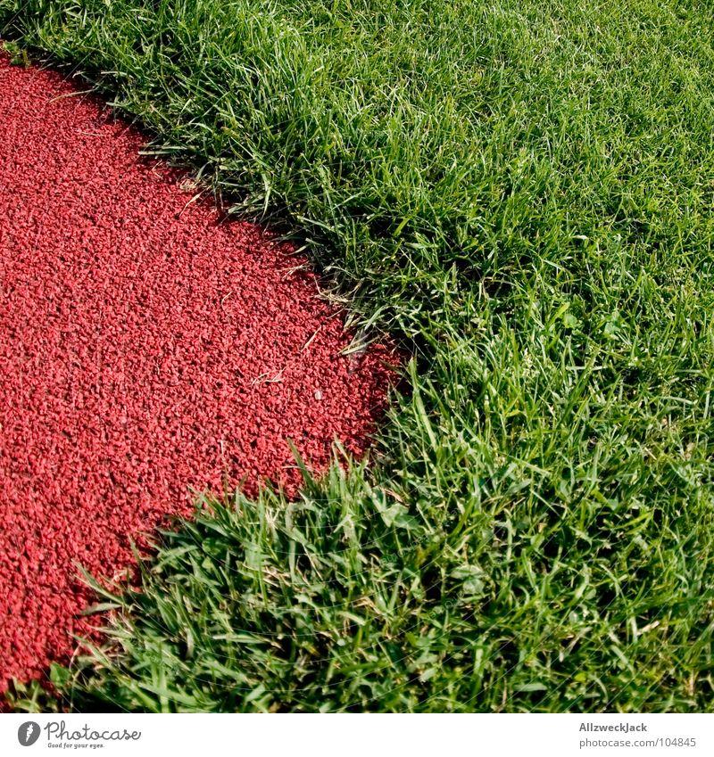 my worst photo Gras grün Tartan Sportplatz rot Wiese Grünfläche beschnitten Rasen play trashig photoabfall
