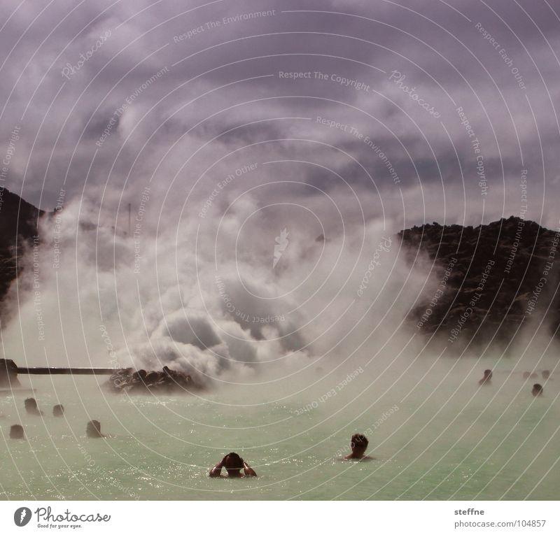 Relax blau Wasser weiß grün Freude Wolken schwarz Erholung Berge u. Gebirge Wärme Schwimmen & Baden Europa Physik violett Rauch Stress